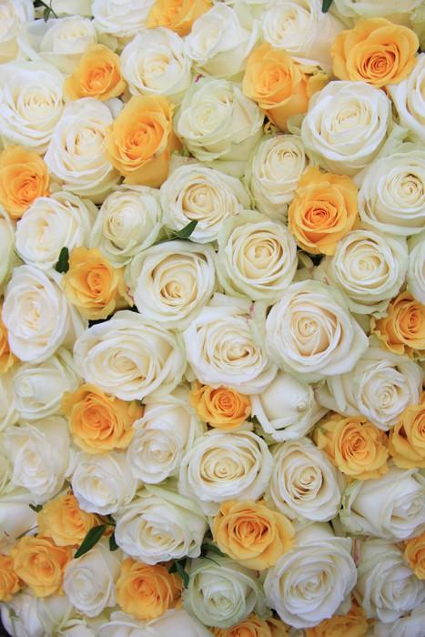 Fototapete Weiße und gelbe Rosen in brdal Blumen-Arrangement ...