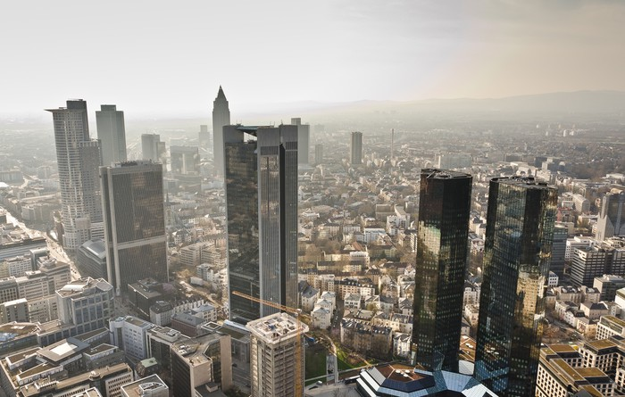 fototapete frankfurt skyline pixers wir leben um zu ver ndern. Black Bedroom Furniture Sets. Home Design Ideas