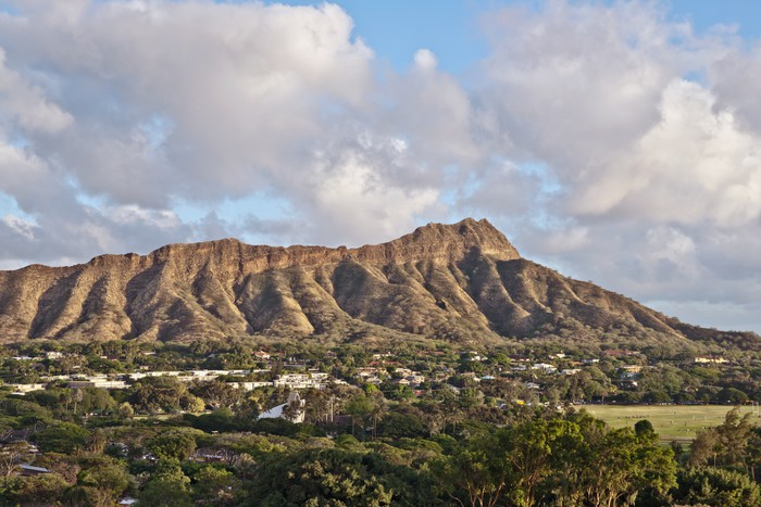 Diamond Head In Honolulu Hawaii Wall Mural Pixers 174 We