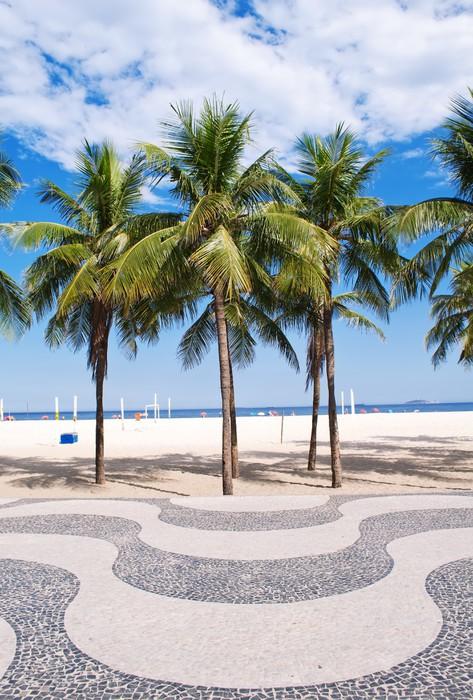fototapete ansicht von copacabana strand mit palmen und. Black Bedroom Furniture Sets. Home Design Ideas