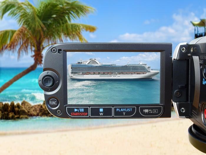 Vinylová fototapeta Zobrazit přes kameru na luxusní výletní lodi - Vinylová fototapeta