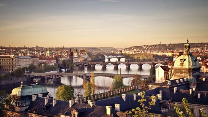 Nálepka Pixerstick Praha na úsvitu - Evropská města