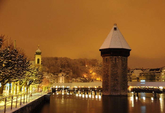 Vinylová Tapeta Panoramatický výhled kaple most v Luzernu ve Švýcarsku - Prázdniny