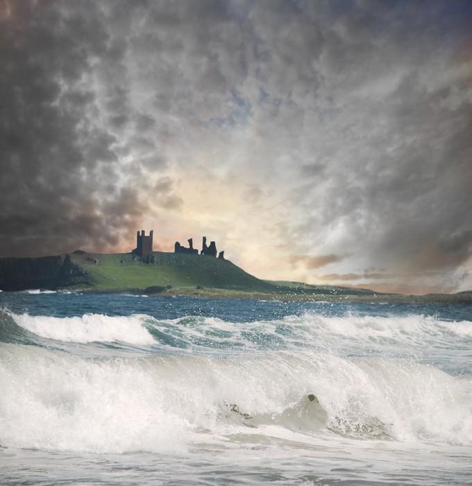 Vinyltapet Dunstanborough Castle - Naturkatastrofer