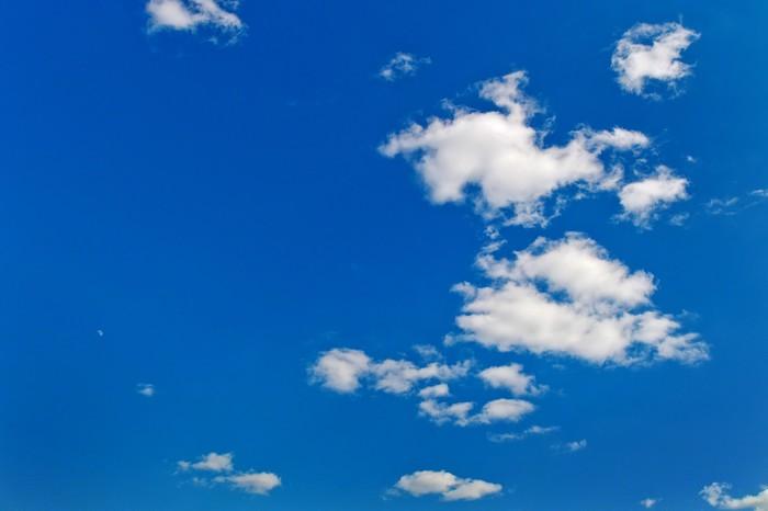 Vinylová Tapeta Mraky proti modré obloze - Evropa