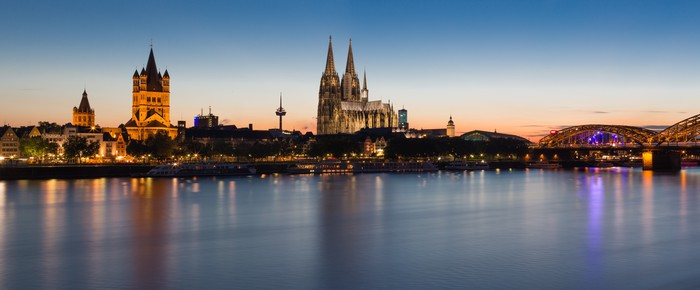 Cologne Skyline Vinyl Wallpaper - iStaging