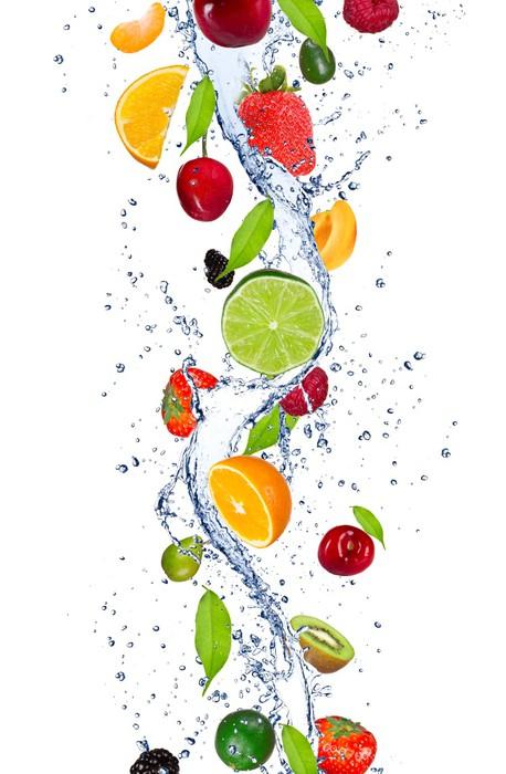 Carta da parati frutta fresca che cadono in acqua - Frutta che fa andare in bagno ...
