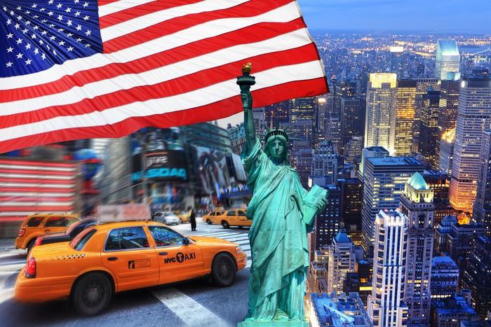 Carta da parati composizione new york pixers viviamo for Carta da parati new york ebay