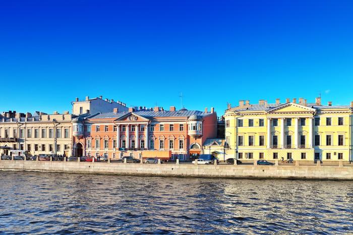 Vinylová fototapeta Nábřeží řeky Něvy v Petrohradě, Rusko - Vinylová fototapeta