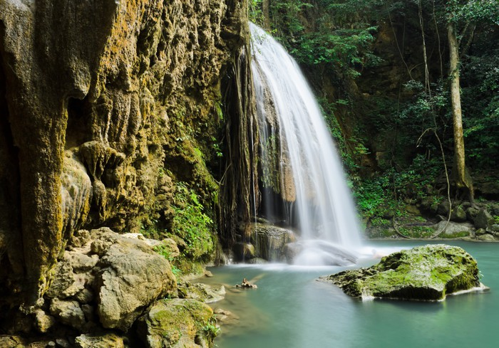 Vinylová Tapeta Exotické Deep Forest Vodopád v Thajsku - Voda