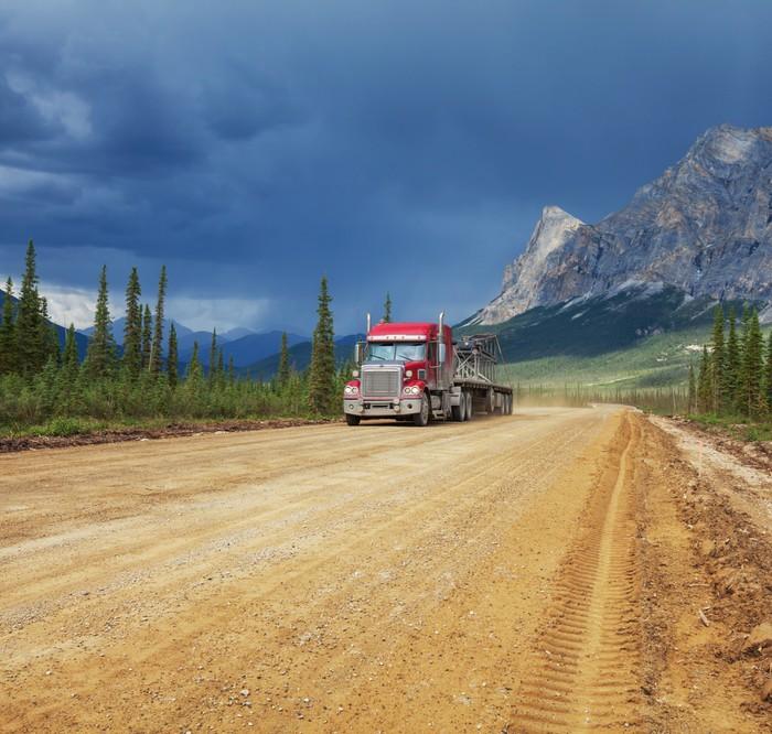 Vinylová Tapeta Silnice na Aljašce - Těžký průmysl