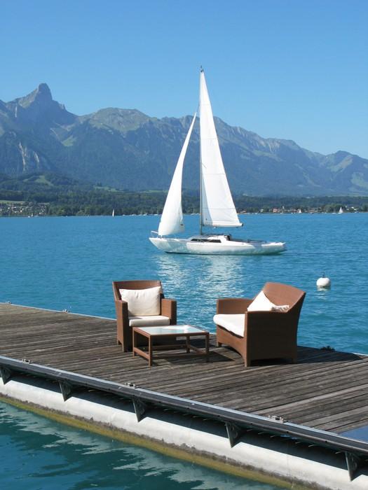 Vinylová Tapeta Romantický výhled na jezero Thun, Švýcarsko - Voda