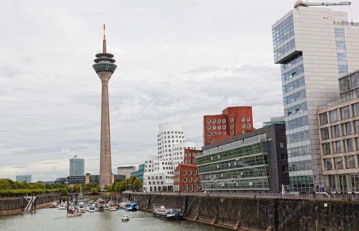 Vinylová Tapeta Panorama centra města v Düsseldorfu, Německo - Město
