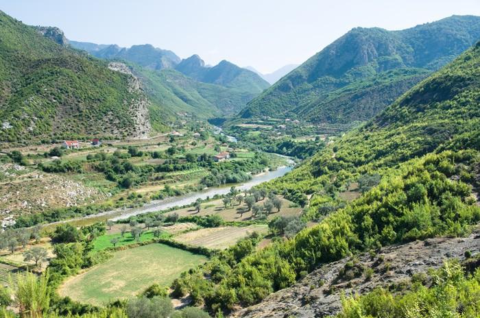 Vinylová Tapeta Idyla Valley Of Kiri řeky v blízkosti Drisht, Albánie - Evropa