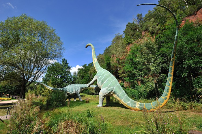 Vinylová Tapeta Kaiserslautern Gartenschau Dinosaurierausstellung - Evropa