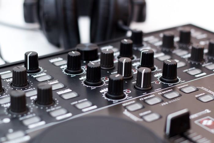 Vinylová Tapeta Regulátor DJ - Hudba