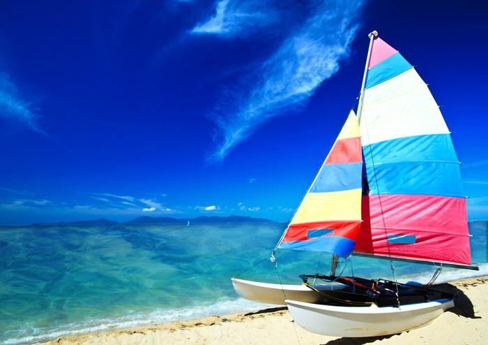 Segelboot karibik  Karibik: Katamaran, Segelboot vor blauem Himmel Wall Mural ...