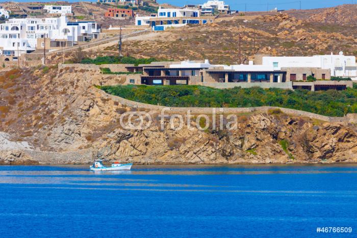 Vinylová Tapeta Dřevěná rybářská loď před ostrově Mykonos pobřeží v Cyclades - Evropská města