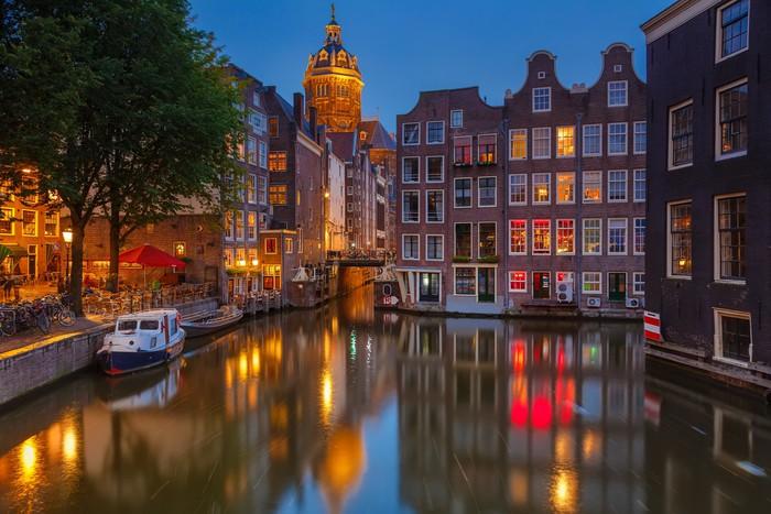 Fototapete Amsterdam bei Nacht • Pixers® - Wir leben, um zu verändern