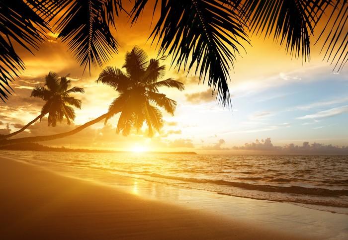 Vinylová Tapeta Západ slunce na pláži Karibského moře - Témata