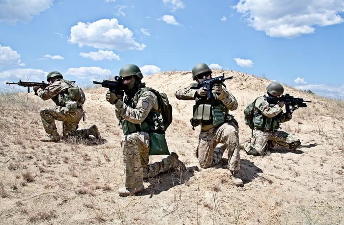 Nálepka Pixerstick Squad v akci - Vojenství
