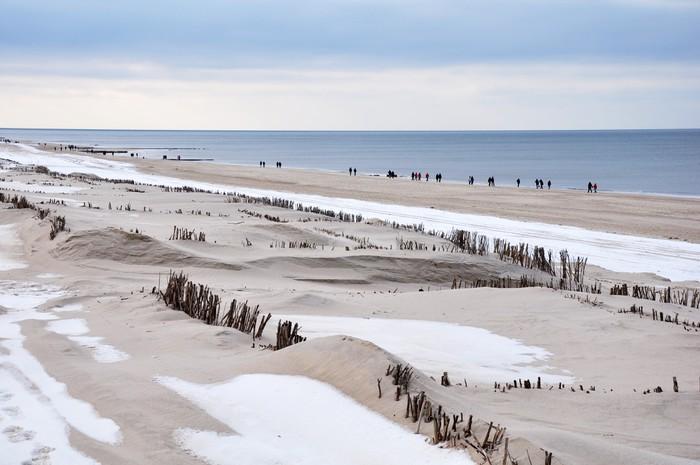 Vinylová Tapeta Procházka na pláži v zimě na ostrově Sylt - Prázdniny