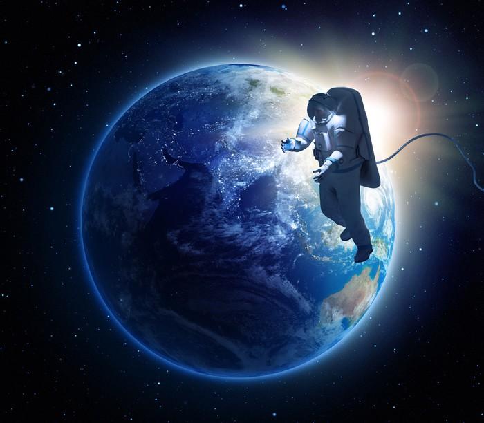 Vinylová Tapeta Astronaut spacewalk - Meziplanetární prostor