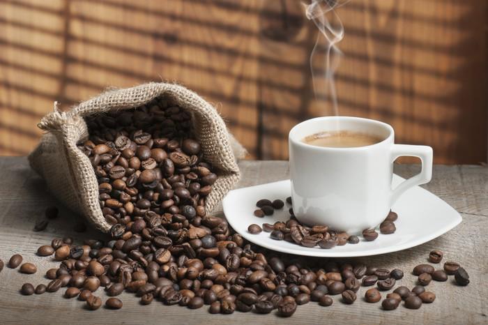 Nálepka Pixerstick Šálek kávy s kávová zrna - Témata