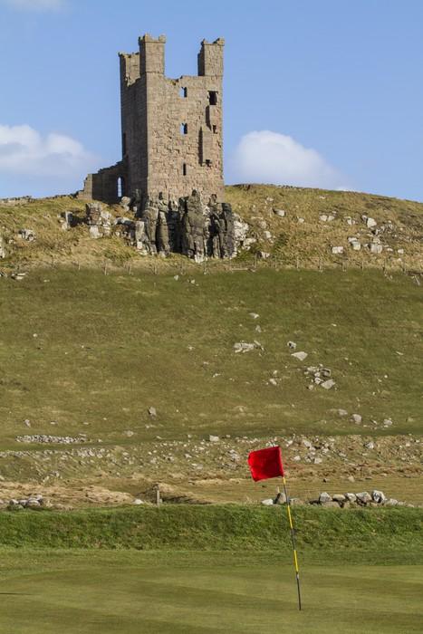 Vinylová Tapeta Dunstanburgh Zámecká věž nad golfovém hřišti - Památky