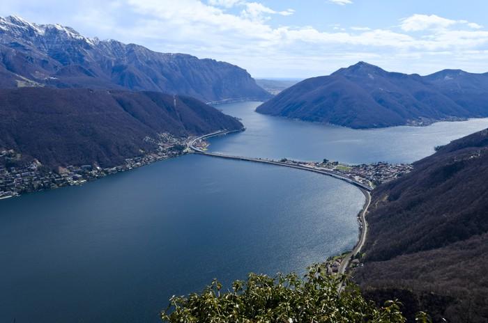 Vinylová Tapeta Pohled přes jezera Lugano - Evropa