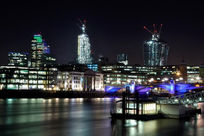 Vinylová Tapeta London Skyline v noci - Evropská města