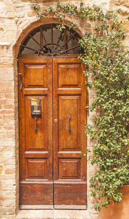 Fotomural puerta de madera vieja toscana italia pixers for Puerta vieja madera