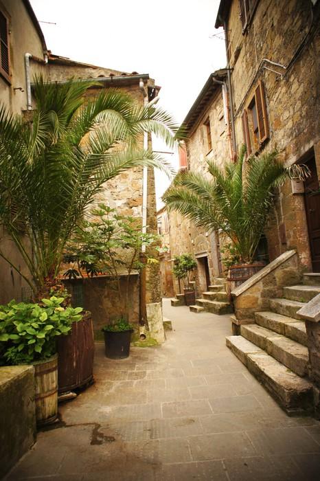 carta da parati vicolo stretto con vecchi edifici nella