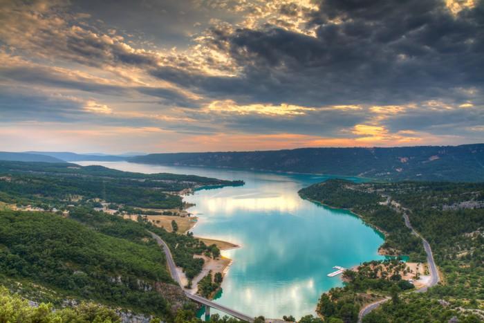 Vinylová Tapeta Jezero Sainte-Croix při západu slunce - Evropa