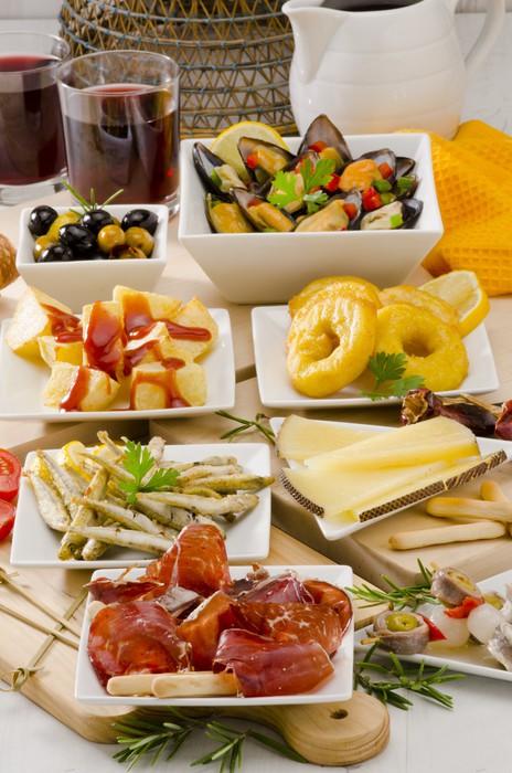 Fotomural cocina espa ola variedad de tapas en las placas blancas pixers vivimos para cambiar - Fotomurales cocina ...
