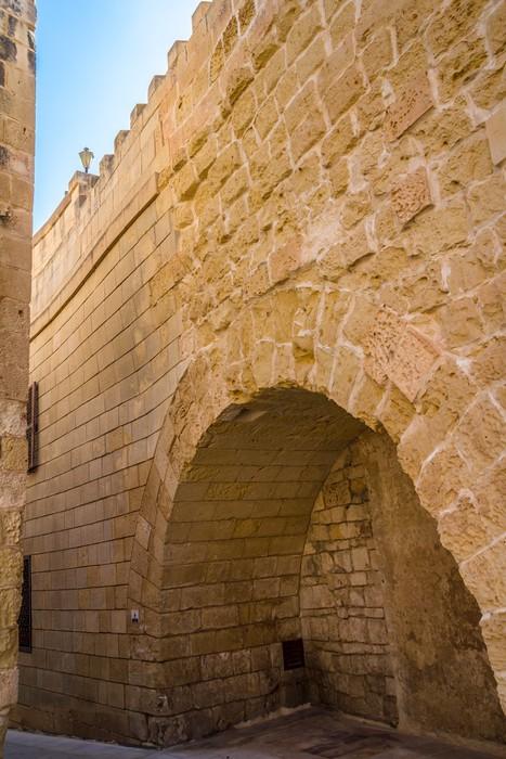 Vinylová Tapeta Wall Mdina na Maltě, staré zdi a nová část - Prázdniny