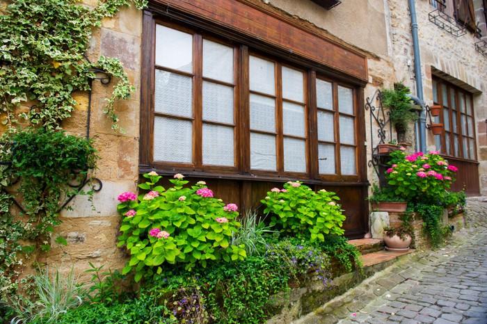 Sticker maison avec petit jardin devant pixers nous for Petit jardin devant maison