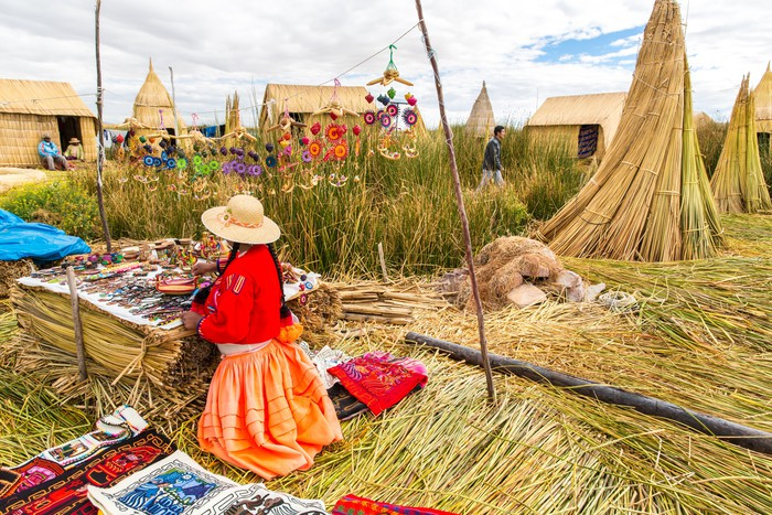 Vinylová Tapeta Jezero Titicaca Puno, Peru, Jižní Amerika, doškovou střechou domů. - Amerika