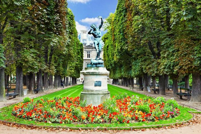 Carta da parati fauno danzante. giardini di lussemburgo jardin du