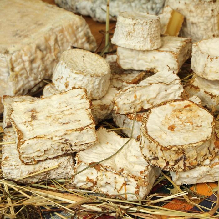 Nálepka Pixerstick Vynikající tradiční sýr na toskánském zemědělce trhu - Sýry