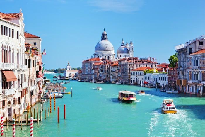 Venice italy grand canal and basilica santa maria della for Castorama mestre