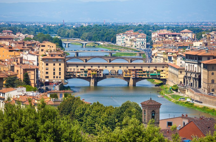 Vinylová Tapeta Ponte Vecchio ve Florencii pohled přes řeku Arno - Evropa