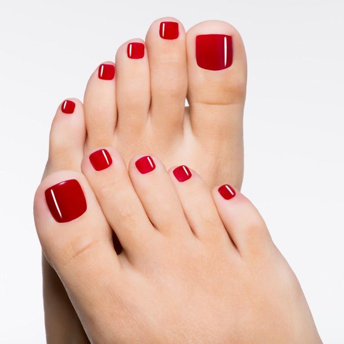 Vinylová Tapeta Krásné ženské nohy s červeným pedikúru - Životní styl, péče o tělo a krása