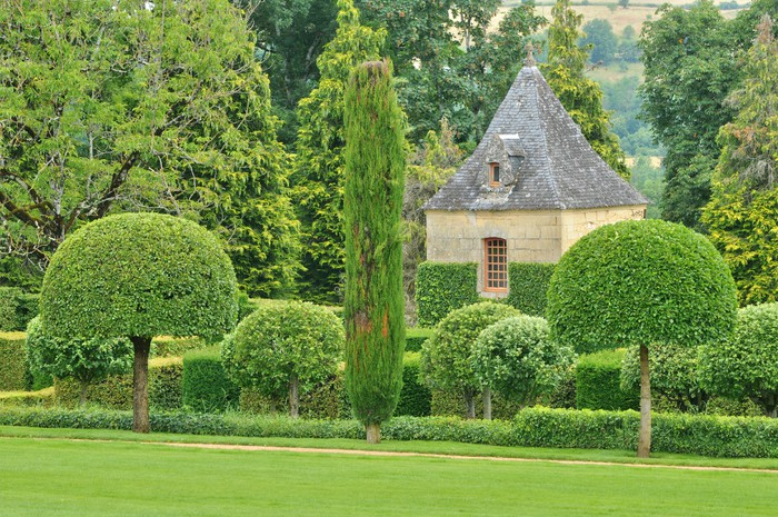 france picturesque jardins du manoir d eyrignac in dordogne vinyl wall mural holidays - Jardin D Eyrignac