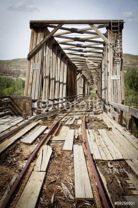 Vinylová Tapeta Opuštěný most - Přírodní krásy