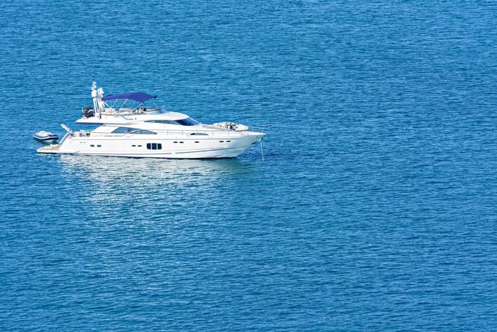 Vinylová Tapeta Jachty a modré vody oceánu - Příroda a divočina