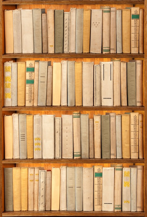 papier peint vieux livres sur l 39 tag re pixers nous vivons pour changer. Black Bedroom Furniture Sets. Home Design Ideas