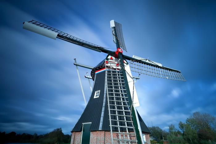 Vinylová Tapeta Holandský větrný mlýn po obloze - Infrastruktura