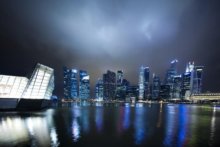 Vinylová Tapeta Singapur panorama města v noci. - Jiné