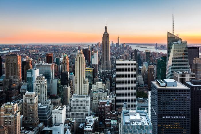 New York skyline o zachodzie słońca